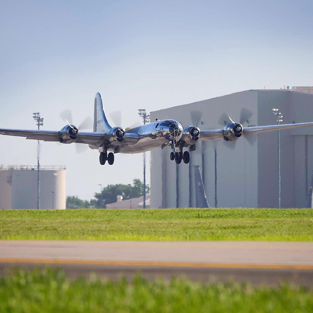VIDEO: Doc performs high speed flight and arrives at Wichita's Eisenhower National Airport